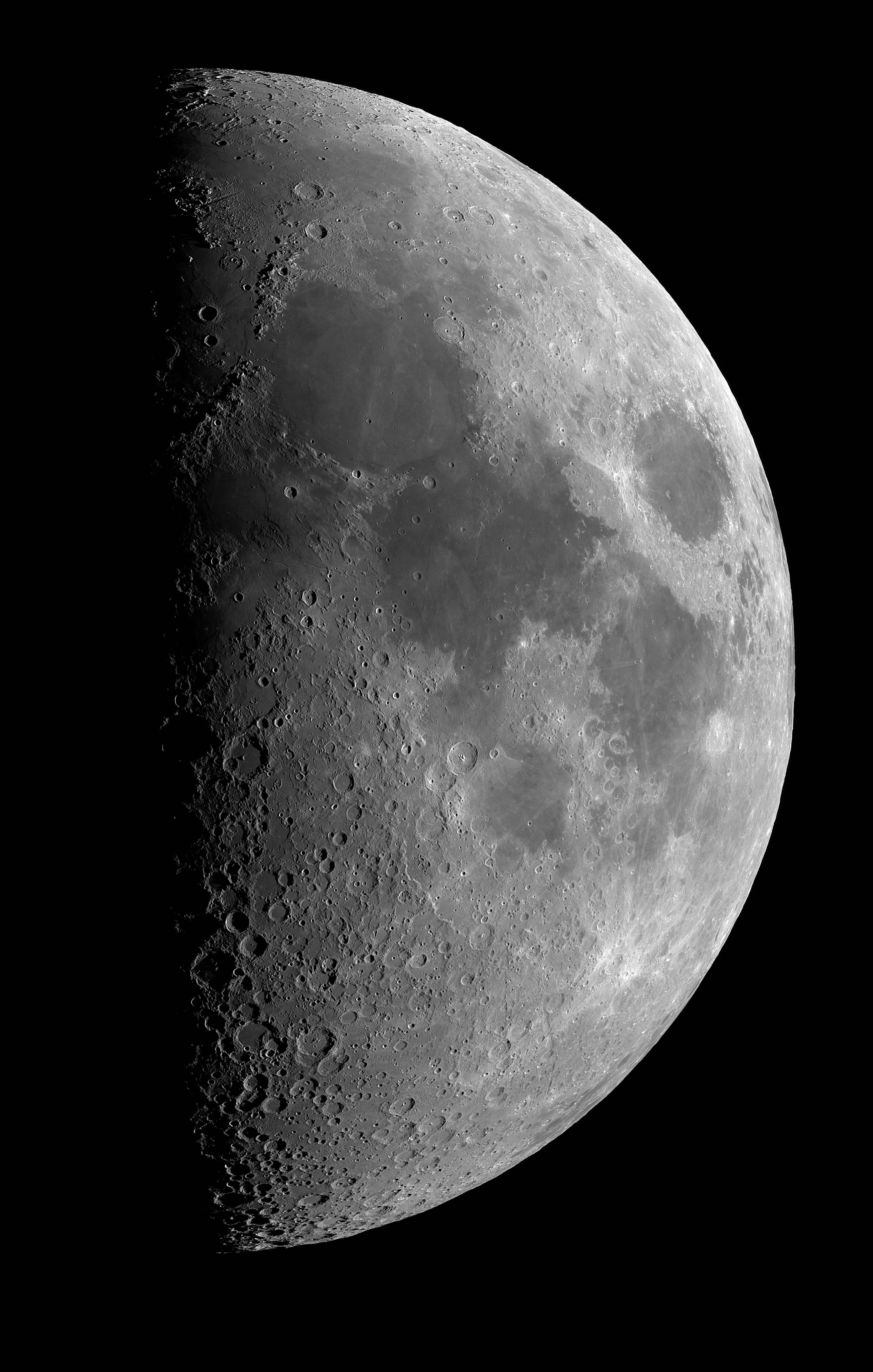 Lune_Mosaique_2avril2010_100_web.jpg